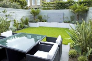 back-artificial-garden.jpg