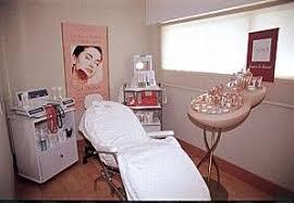 mobile beauty therapist.jpg